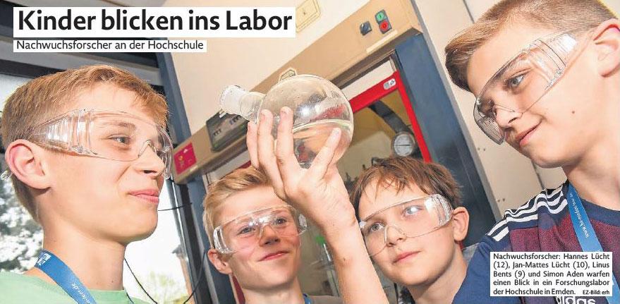 Emder Zeitung: Kinder blicken ins Labor